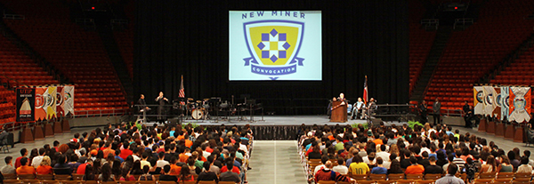 New UTEP students, faculty and staff raised their picks high at the culmination of New Miner Convocation Sunday, Aug. 24 at the Don Haskins Center. Photo by Laura Trejo / UTEP News Service