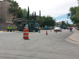 A sewer line replacement project blocks part of Hawthorne Street at Rim Road. Photo by Daniel Perez / UTEP Communications